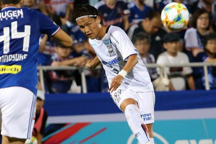 昨季はG大阪で抜群のキックスキルを見せ、攻撃を牽引した宇佐美。写真:滝川敏之