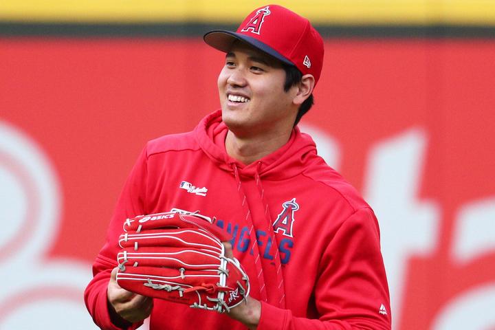 MLB公式ツイッターが大谷翔平のキャッチボール姿を公開した。(C)Getty Images