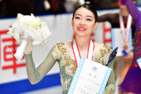 全日本選手権に続く優勝で世界選手権へ弾みをつけている紀平。 (C) Getty Images