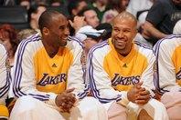 真摯にバスケットボールに取り組んでいたフィッシャー(右)は、コビー(左)の良き理解者だった。(C)Getty Images