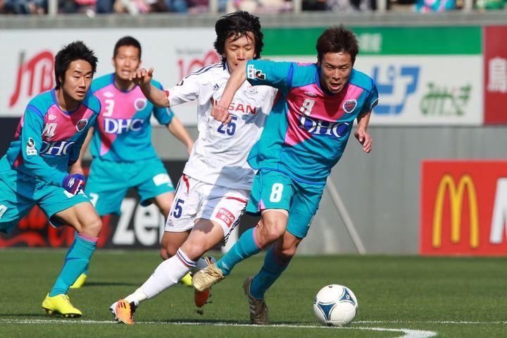 鳥栖に移籍した1年目の12年シーズンに、初めて横浜と対戦。「一番、気合の入った試合」で決勝点を挙げた。写真:滝川敏之(THE DIGEST写真部)