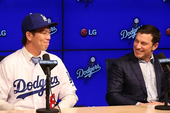 トレードを巡って食い違う前田(左)とドジャース球団社長(右)の見解。果たして真相は? (C)Getty Images
