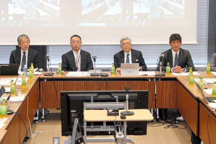 9日午後、12球団の代表者会議が行われ、プロ野球のシーズン開幕延期が決定した。写真:朝日新聞社