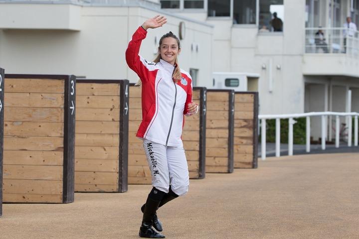 今週は船橋競馬場で騎乗予定のミシェル騎手。もちろんフィアンセも常に一緒だ。(C)Getty Images
