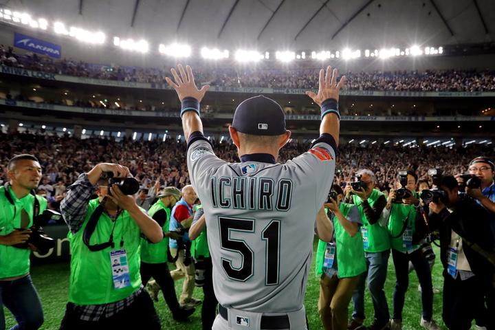昨年3月21日、東京ドームでの試合を終えて日本のファンに別れを告げた。(C)Getty Images