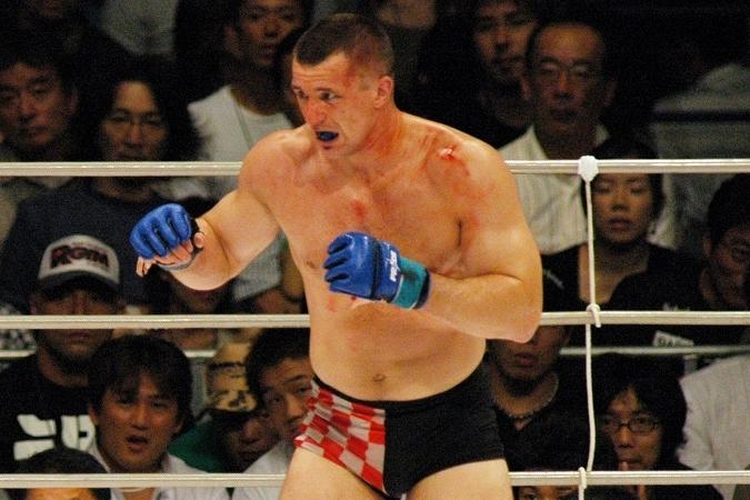 RIZINにも出場するなど、晩年も日本で愛された格闘家クロコップ。現役引退後もトレーニングは欠かさず行なっているようだ。 (C) Getty Images
