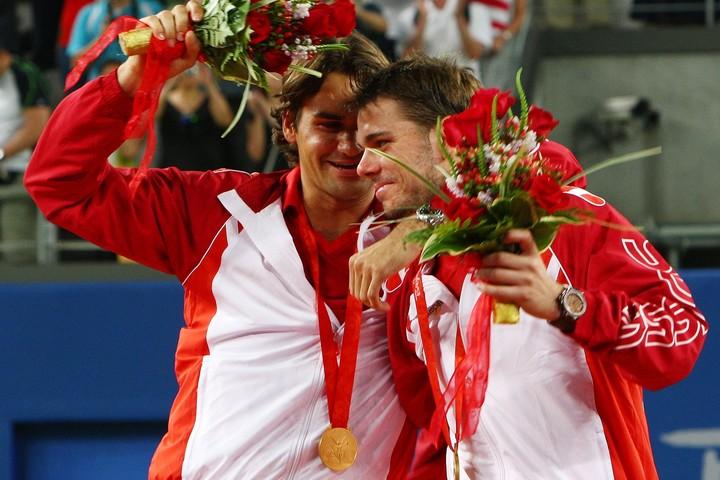 北京五輪の男子ダブルスで金メダルを獲得したフェデラー(左)とワウリンカ(右)。(C)GettyImages