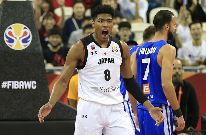 今年の開催は延期になってしまったが、八村には日本の絶対的エースとして、来夏にファンの前で大暴れしてもらいたい。(C)REUTERS/AFLO
