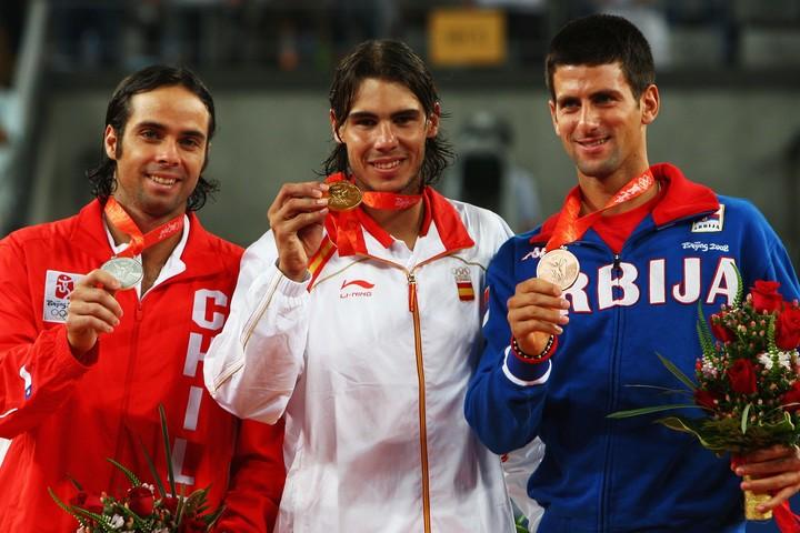 北京五輪での銅メダルがオリンピックでの最高成績。実は金メダルは獲得していないジョコビッチ(右)。(C)GettyImages