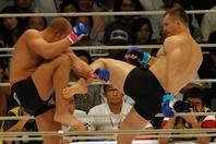 ヒョードル(左)をはじめとする猛者たちをリングに沈めてきたミルコの左足のハイキックはいまだ健在だ。(C) Getty Images