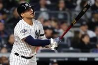 昨季ヤンキースでチーム最多の38本塁打を放つなど大活躍したトーレスだが、ゲーム内の評価は…?(C)Getty Images