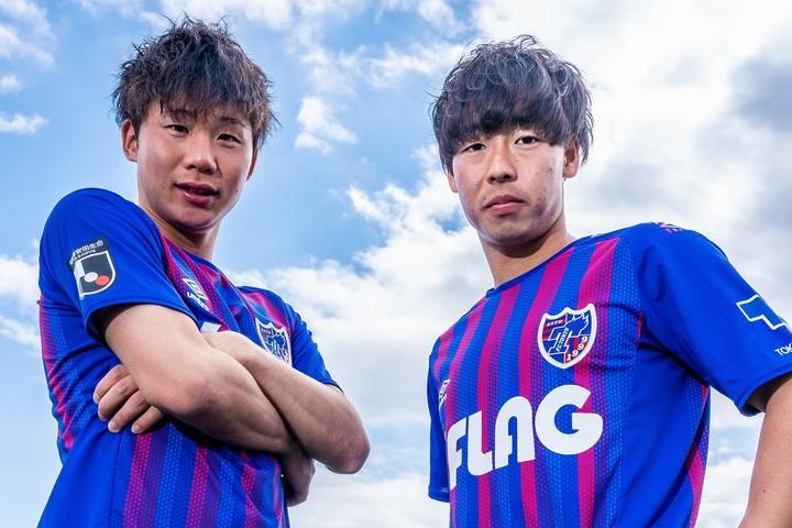 FC東京の大卒ルーキーコンビとして大きな期待が寄せられる安部(左)と紺野(右)が、お互いのプレーについて語った。写真:田中研治