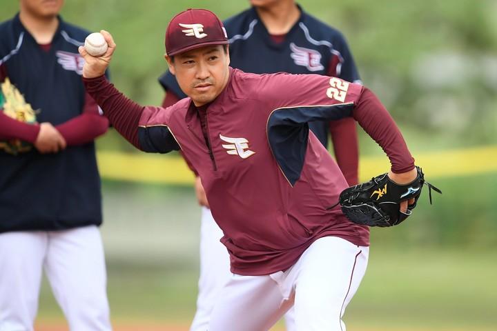 牧田は「父親になることを自覚して頑張っていきたい」とさらなる活躍を誓った。写真:金子拓弥(THE DIGEST写真部)