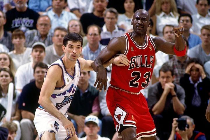 ジョーダンが最も得失点差をつけた相手は1997、98年のファイナルでも対戦したジャズのストックトンだった。(C)Getty Images