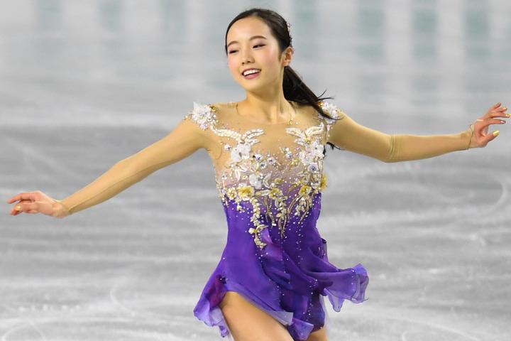 """本田真凜のインスタグラムに投稿した""""4変化""""ショットが反響を集めている。(C)Getty Images"""