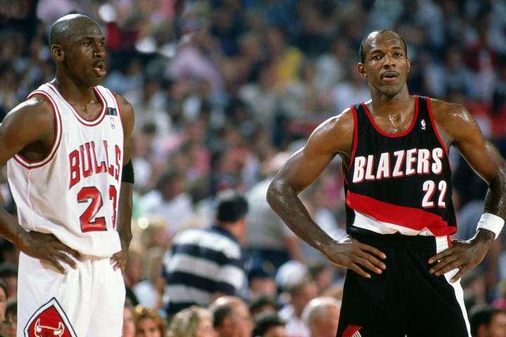 1992年のファイナルで敵対したジョーダンとドレクスラーだが、もしチームメイトになっていたら……(C)Getty Images