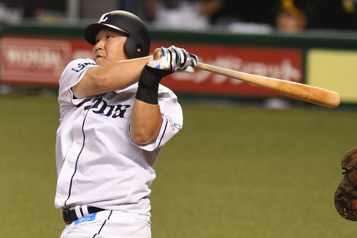 昨年、史上20人目の通算400号本塁打を記録した中村は4年ぶりに30本塁打の大台をクリアした。写真:THE DIGEST編集部