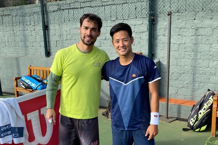 コーチの縁で11位のフォニーニ(左)と練習する機会を得た守屋宏紀(右)。写真:守屋宏紀