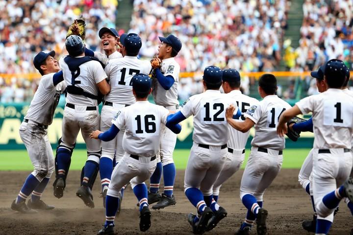 昨年夏の甲子園を制覇したのは履正社高。星稜高を5対3で下した。(写真)朝日新聞社