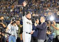 10年代のリーグ優勝4回はすべて原監督の指揮下で達成されたものだった(写真)朝日新聞社