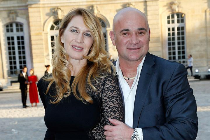 テニス界随一のおしどり夫婦としても知られるアガシ・グラフ夫妻。その息子、ジェイデンは野球選手として立派に成長を遂げたようだ(C)Getty Images