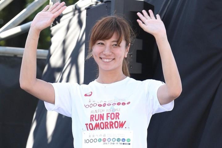 青木さんが公開した自撮り写真に、「少女に戻ったかのような笑顔」「お綺麗です」などと絶賛の声が寄せられている。写真:産経新聞社