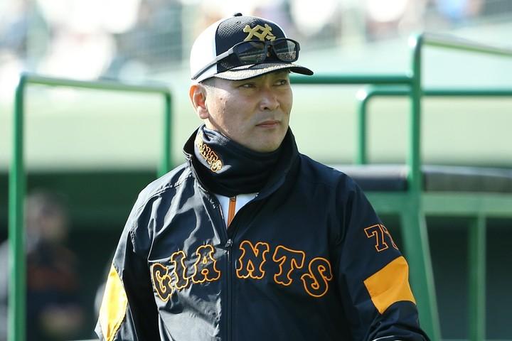 岩本氏が優勝を予想している巨人の中で最も期待しているのは、選手でも監督でもなく元木ヘッドコーチの手腕だという。写真:滝川敏之