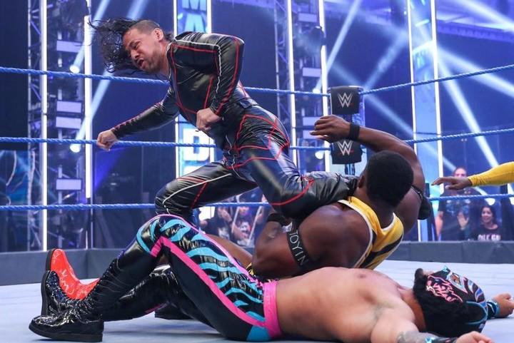 中邑とセザーロはタッグ王者へ照準を合わせたようだ。(C)2020 WWE,Inc. All Rights Reserved.