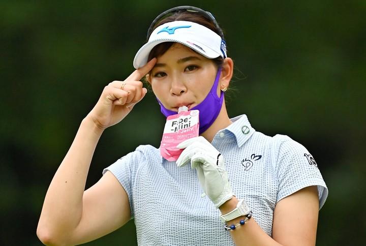 4アンダーの7位タイは上々のスタートだが、本人はまだまだ満足していないようだ。写真:Getty Images/JLPGA提供