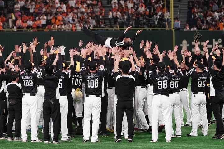 昨年、日本一に輝いたソフトバンクが平均年俸でもトップに。写真:山崎賢人(THE DIGEST写真部)