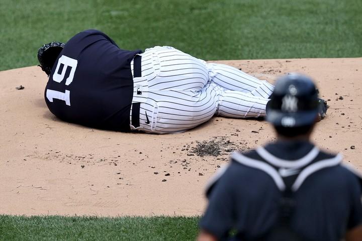 強烈な打球が直撃した田中。危ぶまれた健康面には影響は少なそうだが、指揮官は慎重な姿勢を崩さず。(C)Getty Images