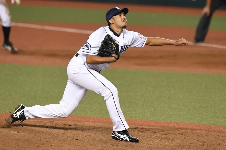 4日のオリックス戦で吉田正に逆転弾を浴びてしまった小川。リーグ3連覇へ向け、頼れる救援左腕の不足が課題となっている。写真:徳原隆元