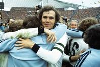 """トータルフットボールのオランダを下した""""皇帝""""ベッケンバウアーは、「強い方が勝つんじゃない。勝った方が強いんだ」との名言を残した。(C)Getty Images"""