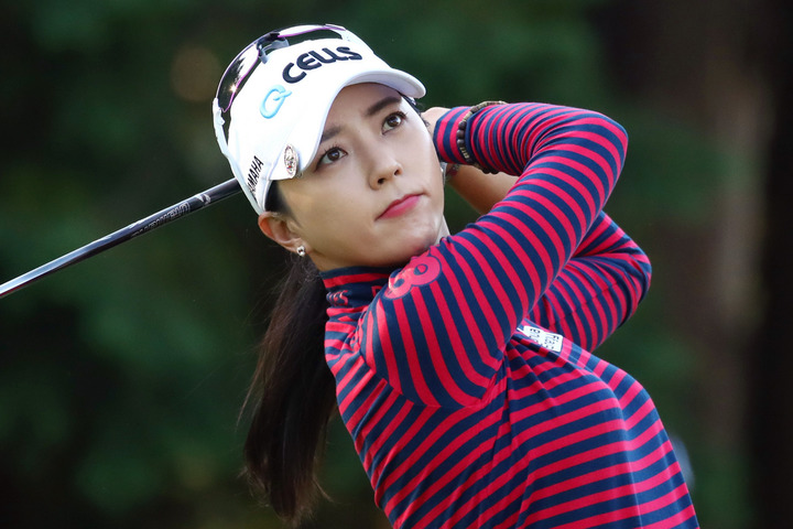 ユン・チェヨンが契約を結ぶゴルフアパレルブランドの最新ショットを公開し、ファンを喜ばせた。(C)Getty Images