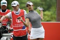 大会2日目に7つのバーディを奪ったユ・ヒョンジュ。不平を言いながらも暑さに強い!? (C)Getty Images