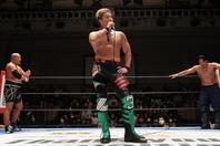 「後藤さんと石井さんと3人でベルトを巻きたい」と、YOSHI-HASHIは明日のCHAOS対決に向けて意気込んだ。(C)新日本プロレス