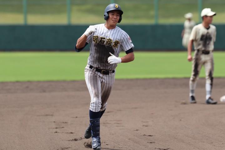 これまで甲子園で本塁打を3本打っている来田。高校最後の大舞台での活躍に期待が集まる。写真:藤原彬