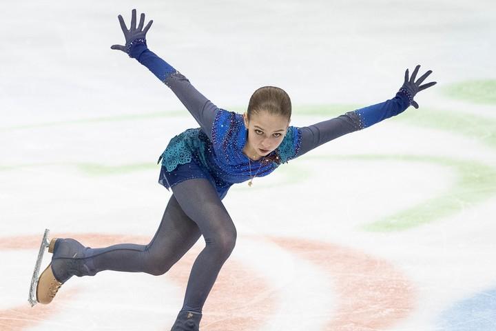 """多彩な4回転ジャンプでファンを魅了させるトゥルソワが""""開脚ジャンプ""""姿を披露した。(C)Getty Images"""