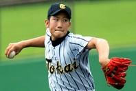 東海大相模時代の菅野は甲子園出場こそないが、同校の出身者では最も大成した投手だ。写真:産経新聞社