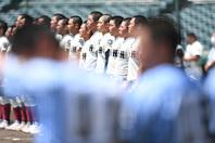 大会最終日に行われた東西の強豪同士の対決は、大阪桐蔭に軍配が上がった。写真:徳原隆元