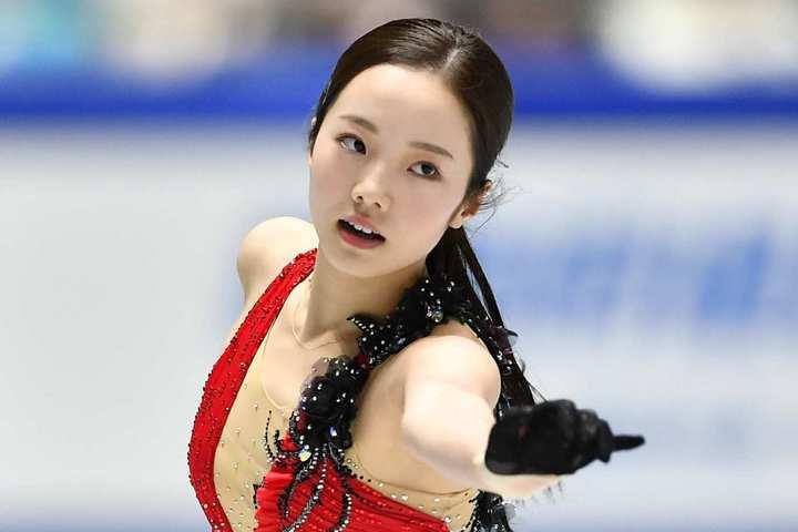 3姉妹で運営するYouTubeチャンネルの編集も務めているという次女の真凜。写真:金子拓弥(THE DIGEST写真部)