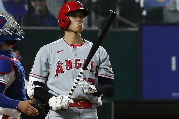 再び打者に専念することになった大谷だが、打率1割台と苦しんでいる。(C)Getty Images