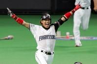 プロ野球史上に残るエンターテイナーとして人気を博した新庄氏。オリックス入団となれば、チームカラーも一変しそうだ。写真:産経新聞社
