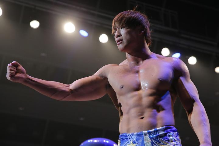 Aブロック単独首位となった飯伏は、決勝進出を高らかに宣言した。(C)新日本プロレス