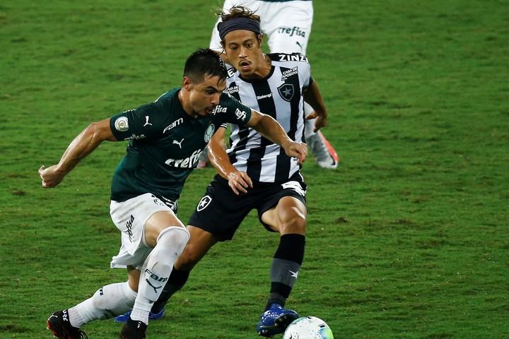 4試合ぶりに戦線復帰した本田は、2列目の右でプレーした。(C)Getty Images