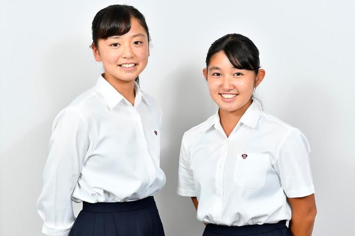 早稲田実業で主将の神鳥舞選手(右)と、副主将の舩木美莉選手。写真:金子拓弥(THE DIGEST写真部)