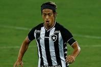 2試合ぶりに先発出場した本田は、2本の惜しいシュートで相手ゴールを脅かした。(C)Getty Images