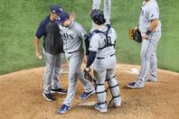 6回途中、わずか73球でエースを交代させたキャッシュ監督の決断が勝負の分かれ目になった。写真:Getty Images