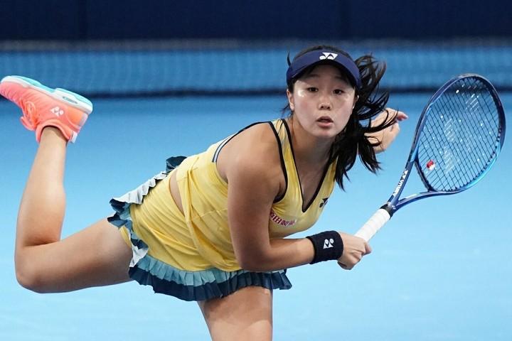 2018年は世界ランク600位代だったが、今年2月には175位まで引き上げるなど、日本女子テニス界注目の19歳、内藤が同門の先輩を破り2回戦進出。写真:金子拓弥(THE DIGEST写真部)