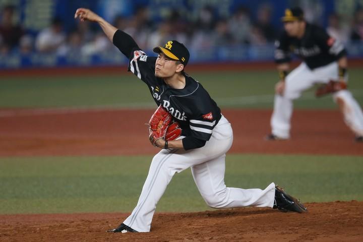開幕の出遅れを微塵も感じさせず、千賀が4日の登板で投手三冠に浮上。球史に残る快挙達成なるか。写真:滝川敏行